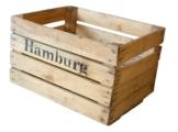 Alte Obstkiste mit Aufdruck Hamburg