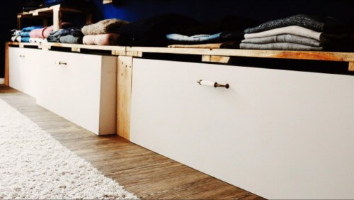 begehbarer kleiderschrank schubladen diy einfach selber machen. Black Bedroom Furniture Sets. Home Design Ideas