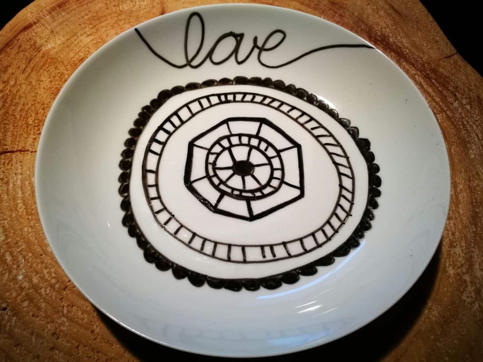 Porzellan Teller gestalten- DIY Geschenkideen