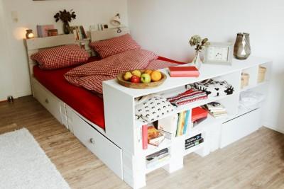 palettenbett selber bauen anleitung kaufen wir. Black Bedroom Furniture Sets. Home Design Ideas