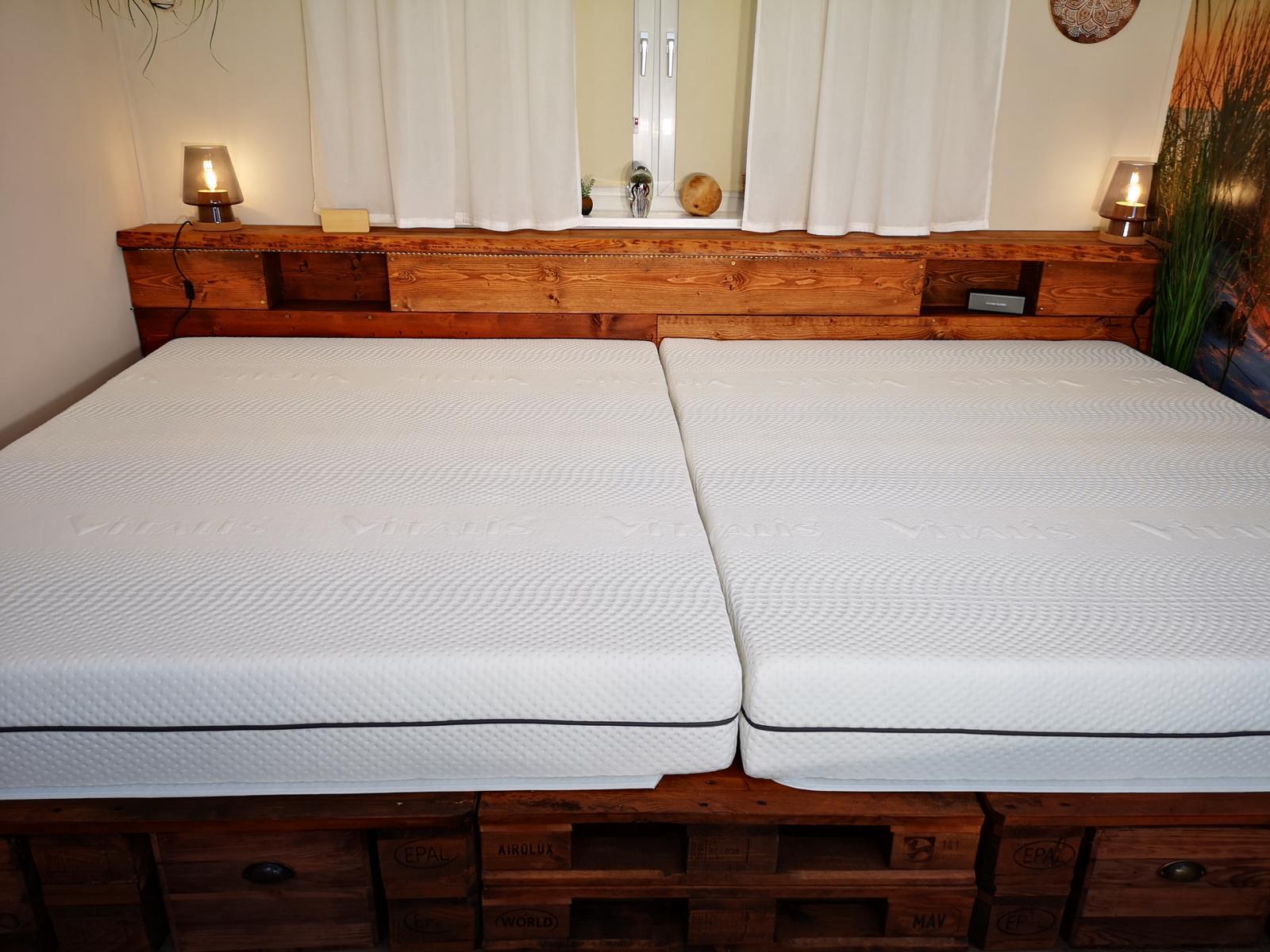 ᐅ Palettenbett selber bauen & kaufen | Europaletten Bett