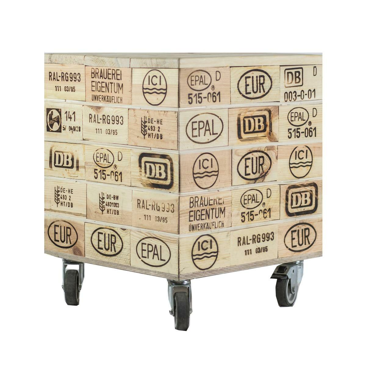 sitzw rfel aus paletten vollholzkl tzen europaletten m bel shop. Black Bedroom Furniture Sets. Home Design Ideas