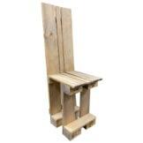 Stuhl aus Europaletten mit hoher Lehne Palettenmoebel