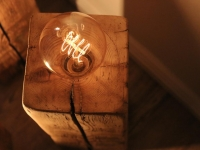Lampe aus Holzbalken-Vintage Lampe