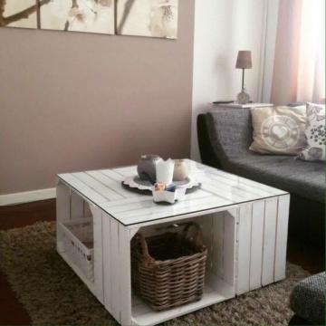 wei er obstkisten tisch aus apfelkisten vintage. Black Bedroom Furniture Sets. Home Design Ideas