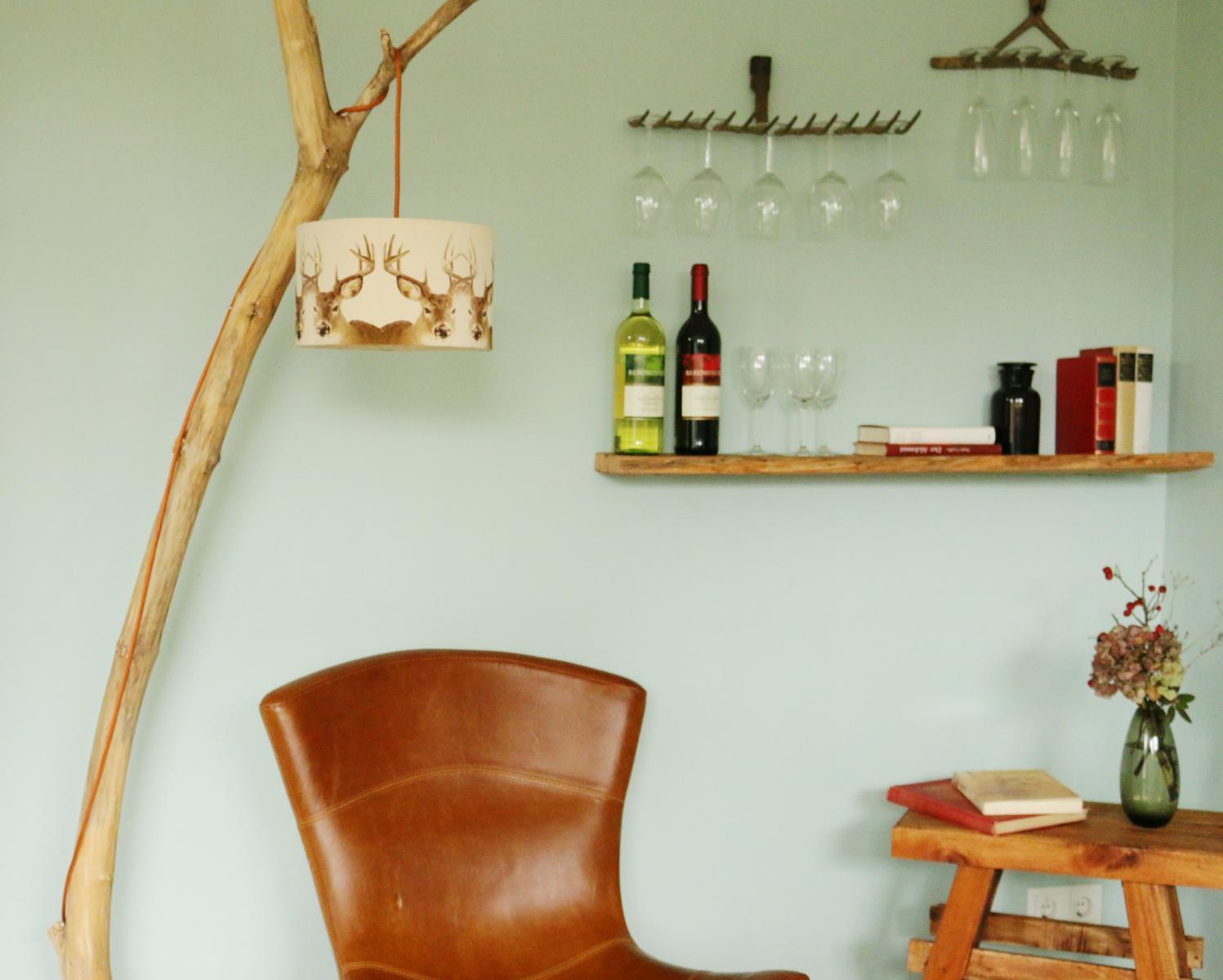 Weinglashalter-Weingläser-aufhängen aus einer gartenharke