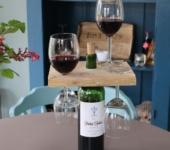 Weinglashalterung aus Paletten