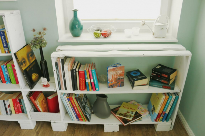 【ᐅᐅ】Regale aus Paletten ᐅ Bücherregal aus Europaletten  ~ Bücherregal Diy