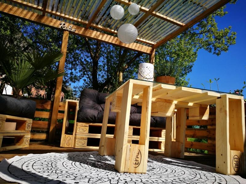 ᐅ Terrasse aus Paletten selber bauen | Palettenmöbel DIY Anleitung