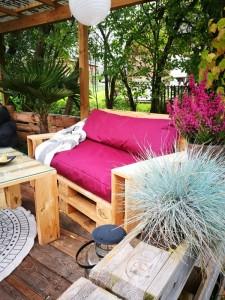 terrasse aus paletten selber bauen palettenm bel diy anleitung. Black Bedroom Furniture Sets. Home Design Ideas